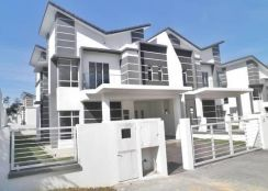 [[ BELOW MARKET VALUE ]] Double Storey Semi D Shah Alam