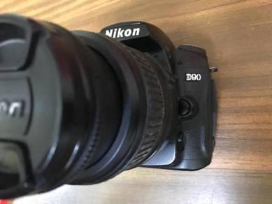 Nikon D90 + 18-55mm
