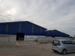 Brand New High Power Detached Factory At Lunas