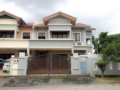 Double storey corner lot taman prima saujana kajang selangor for sale!