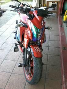 Kawasaki ER6 (650cc)