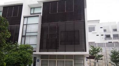 For sale 4 storey terrace link with private lift embun kemensah
