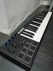 MIDI Keyboard, Alesis V49