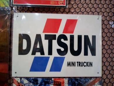 Tin sign besi Datsun