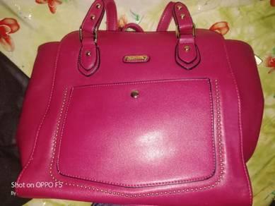 Handbag & tudung neelofar
