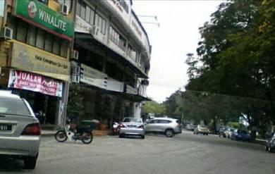 Shoplot for sale facing amanjaya mall c'mart