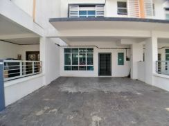 Partially furnished 2 Storey HILLPARK TYPE CHERRY 1 Puncak Alam