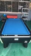 Pool table 8 feet standtand 2 cue, 1 set balls