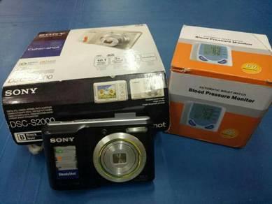 Kamera & alat pengukur darah tinggi