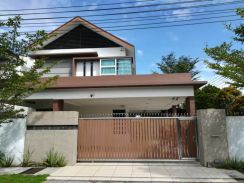 Double storey semi d house for sales 3rd mile Sunny hill