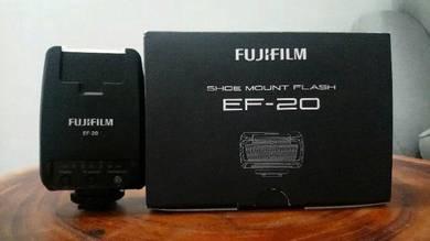 Fujifilm Flash EF20