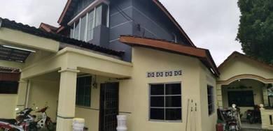 Taman scientex double storey corner lot FOR SALE