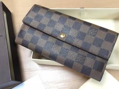 Authentic Louis Vuitton wallet with receipt