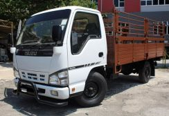 2014 Isuzu lorry NKR55 2.8 13 FEET LOAN 52K