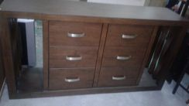 Kabinet kayu solid