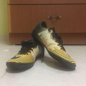 Kasut Futsal Nike