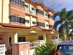 2.5 storey for rent