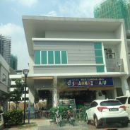 Road facing end lot double storey shoplot promenade 8, precint 8 putra