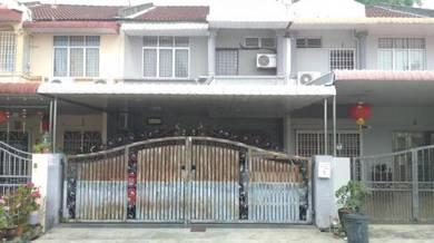 2 storey house at taman pinggiran alma