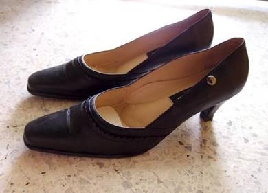 Alain Delon Ladies Leather Shoes - Size 8
