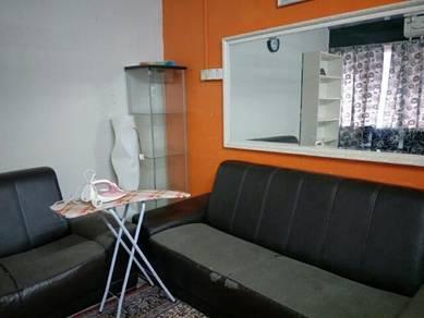 Medium Room for rent June intake
