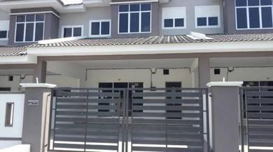 Rumah 2 tingkat Jalan Utama Teluk Batik Lumut, Manjung