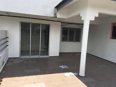 Taman merak mas Double storey terrace house