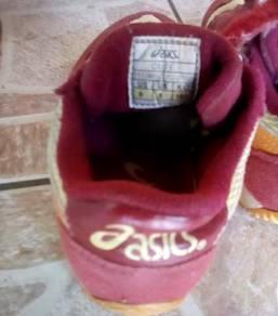 2 Pair branded kid shoe
