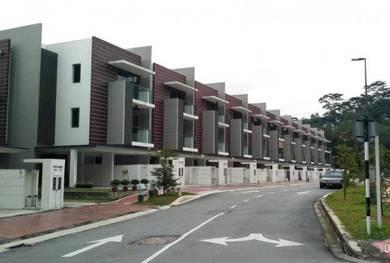 Town House in The Vale, Sutera Damansara, Petaling Jaya, Selangor