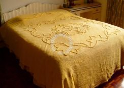 CANDLEWICK Embossed Double Bedspread from UK