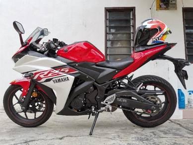 Yamaha YZF R25 2015