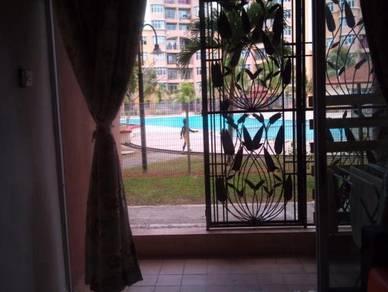 Homestay Nilai impian (Villa swimming pool & WiFi
