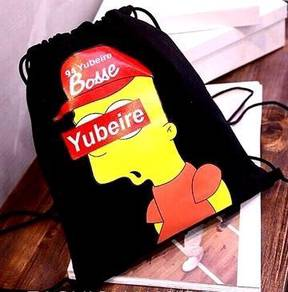 Simpson Street Swag Trend Drawstring Bag (Black)