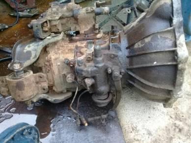 Daihatsu 5 ton gearbox