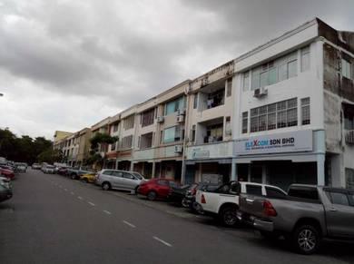 3 storey Shop : Bandar Puchong Utama : Puchong