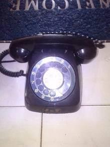 Rumah telefon antique