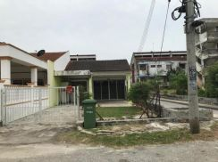 Well maintained lengthy 100ft End Lot Terrace at Air Putih Kuantan