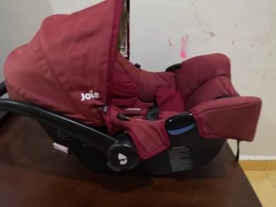 Carseat kerusi bayi untuk kereta