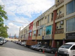 Desa melawati 3storey shop for sale