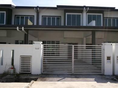 Taman Nounton Juta Double Storey House at Kolombong