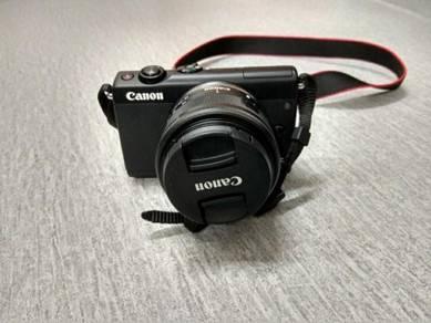 Camera Canon EOS M100 DSLR MIRRORLESS