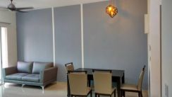 Solaria condo , near airport fully renovated / furnished 2 car park