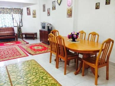 Holiday Muslim Apartment Tingkat Bawah Selesa