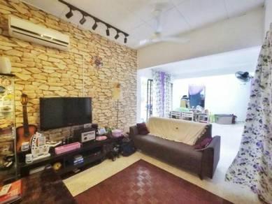 End Lot Single Storey Terrace House Puchong Indah