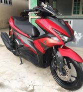 Yamaha NVX 155 red tiptop