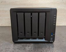 Synology DS918+ NAS DiskStation 4-Bays NAS (NEW!!)