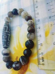 Tibetan & Agate Beans (Wrist Ring)