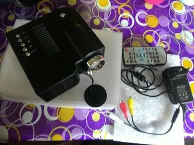 Uc28 projector