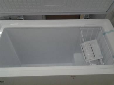 Peti Beku 230L frozen