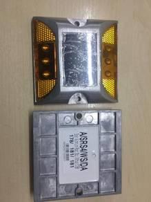 Solar LED aluminium road stud without shank